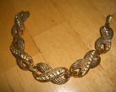 VINTAGE COSTUME JEWELRY  /  Rhinestone bracelet