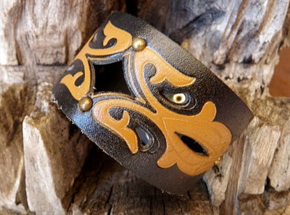 Tribal Design Cuff - FREE SHIPPING (G2P262)