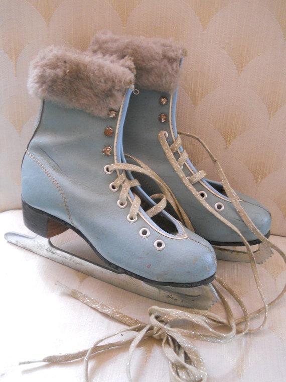 Vintage Girls Blue Ice Skates