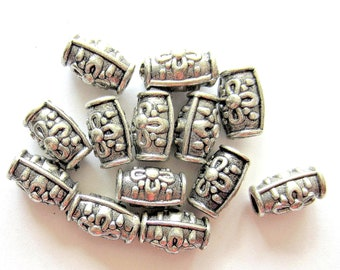 30 Antique silver beads embossed flower tibetan style boho chic 10mm 8mm A455(SR7-4),