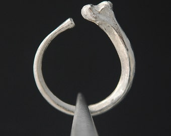 What Remains - Rib Ring 1 in sterling silver