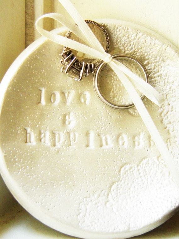 Personalized Ring Bearer Dish Bowl Pillow Alternative Wedding Ring Holder Pearlized White Vintage Shabby Chic Wedding Theme Ring Plate