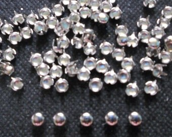 200 pcs  Silver Tone Tiny Round Stud spot spike for apparel - size 5 mm