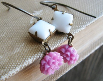 Vintage Glass Jewel Earrings Mauve Pink Flowers White Square Glass Jewels Botanical Jewelry Nature Inspired