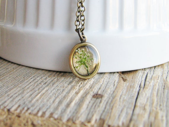 Queen Annes Lace Necklace Flower Botanical Jewelry Preserved Plant Nature Inspired Pressed Real Wildflower