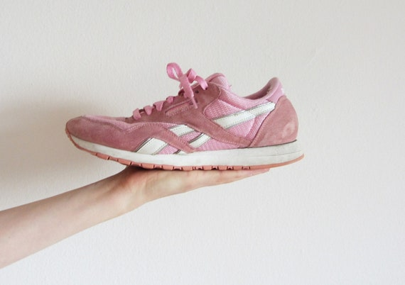 pink reebok sneaker . pale running shoe . retro as all heck .size 9 .sale