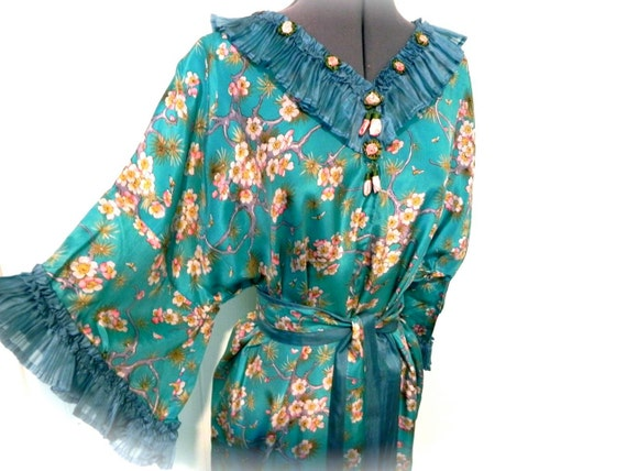reserved reserved Vintage Silk Vintage Art Nouveau Dressing Gown with Cherry Blossom and BEE Print S M L XL