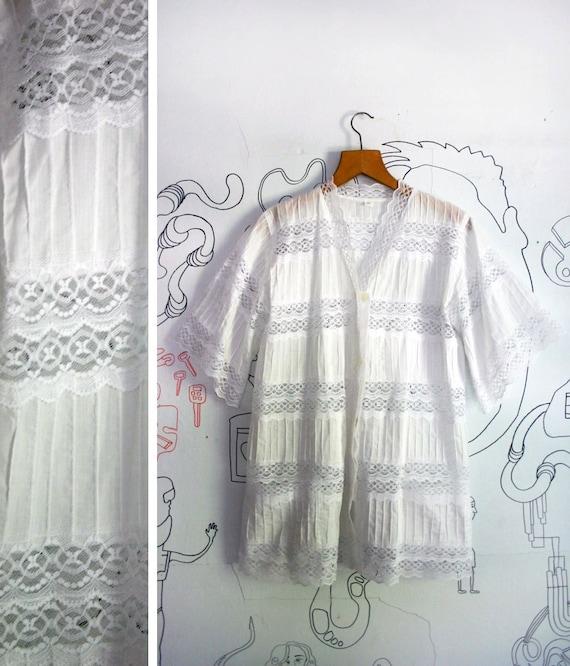 VIntage 1960s Long Lace Button Up Lace Duster Kimono Jacket