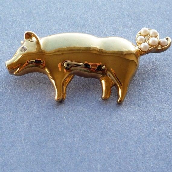 Vintage metal pig brooch, gold tone, new old stock