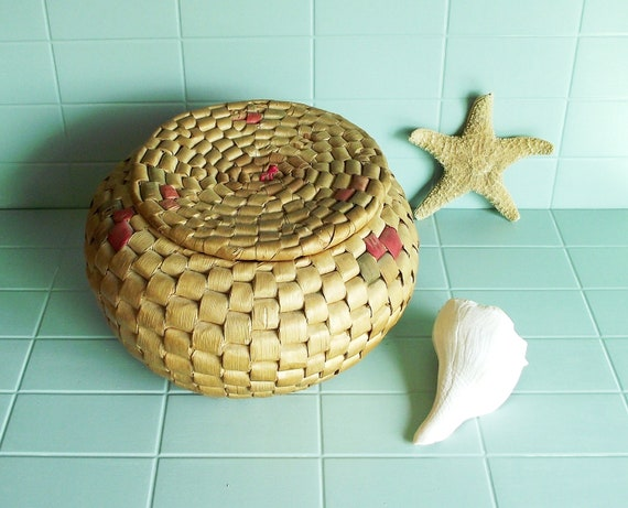 SALE Vintage Cleverly Coiled Woven Sewing Basket with Lid