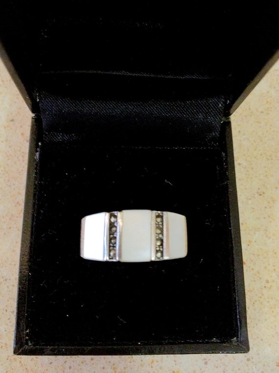 Holiday SALE...Stunning Art Deco Style Mother of Pearl Geometric  925 Sterling Ring
