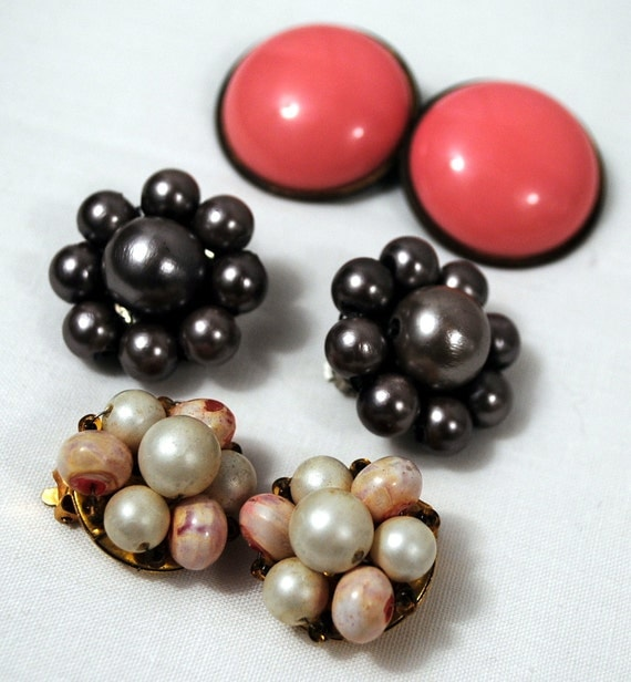 Lot of Vintage Costume Clip On Earrings - Baubles Lot