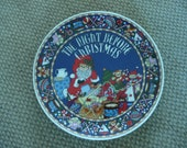 VINTAGE PORCELAIN COLLECTIBLE Plate - Ttiled 'The Night Before Christmas'