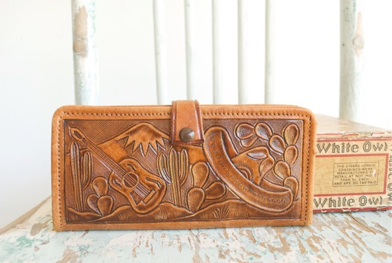 Vintage Wallet / GENUINE LEATHER / Hand tooled / Made in Mexico