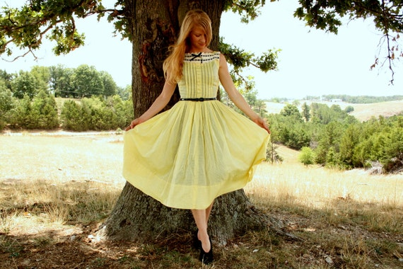 Vintage 50s Dress S Sheer Yellow Dotted Swiss - Rhinestone Buttons - Full Skirt
