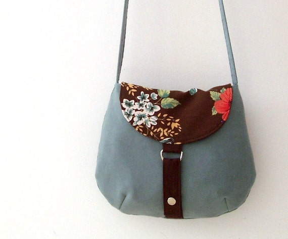 RESERVED Crossbody bag in synthetic suede and cotton. Mint and chocolate