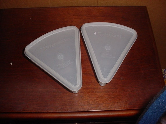 Tupperware Pie Wedge Triangle Containers 2 With Clear Lids
