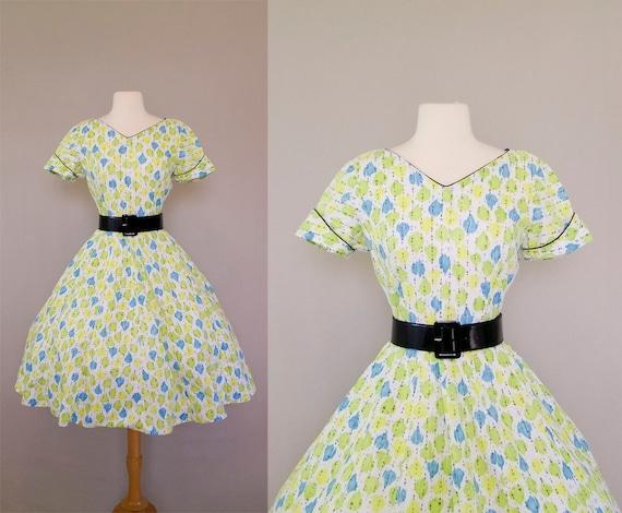 S A L E vintage 1950s dress / 50s garden party dress / summer cotton dress / Pastel Leaf Print dress