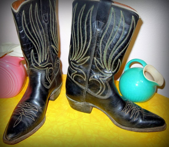 Reserved for Jennifer do not purchase Ladies Snub Toe Flame Stitched COWBOY BOOTS -- Size 7 -- Black with Green Embroidery