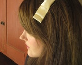 Silk Cream Bow Hair Comb