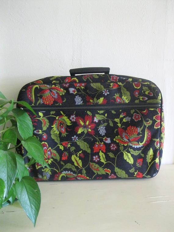 Vintage 70s Bohemian black floral travel case with key