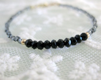Dainty seed bead and czech crystal friendship bracelet for everyday. Minimalist everyday jewelry.