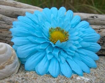 Daisy Flower Hair Clip-AQUA BLUE-Floral Hair Clip, Beach Weddings, Turquoise, Ocean Blue, Weddings, Daisy Weddings, Photo Props