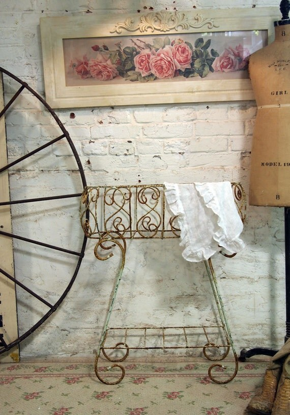 Painted Cottage Chic Shabby French Iron Planter VF294