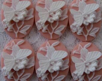 25x18mm - White/Angelskin - Butterfly Cameo - 6 pcs : sku 06.08.12.5 - M17