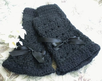 Crocheted Victorian Fingerless Gloves Black Merino Wool (Med-Lg)