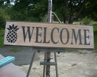 Welcome Wooden Shabby Primitve Distressed Sign with Pineapple