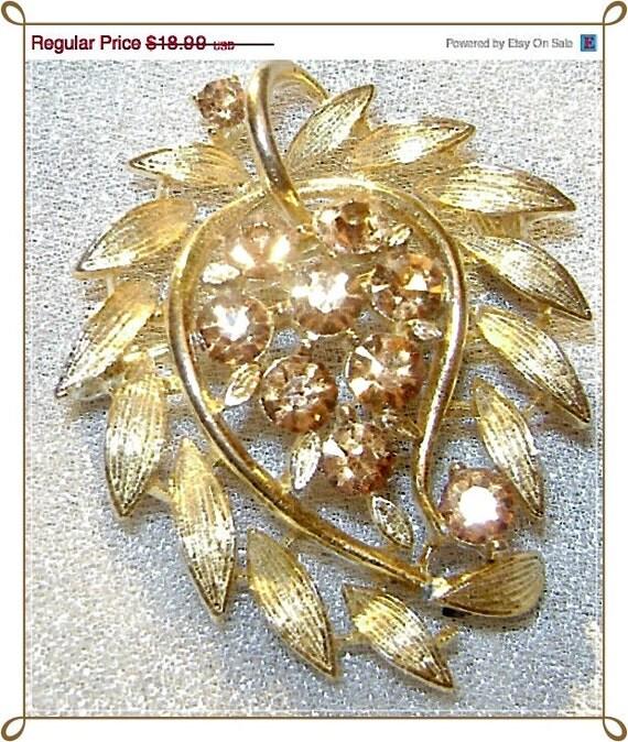 Lisner signed Champagne Amber Leaf Rhinestone Vintage Brooch