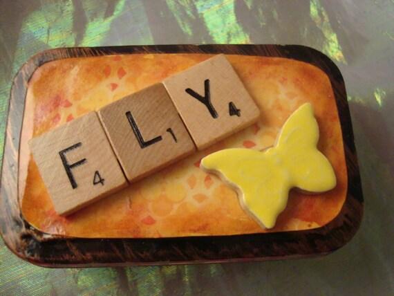 FLY - Altered Altoid Mint Tin
