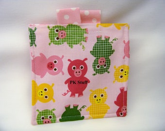 PK T-T-Toe On The Go - Urban Zoologie, Pink Pigs - Mini Game - Tic Tac Toe - Travel Game - Ready To Ship