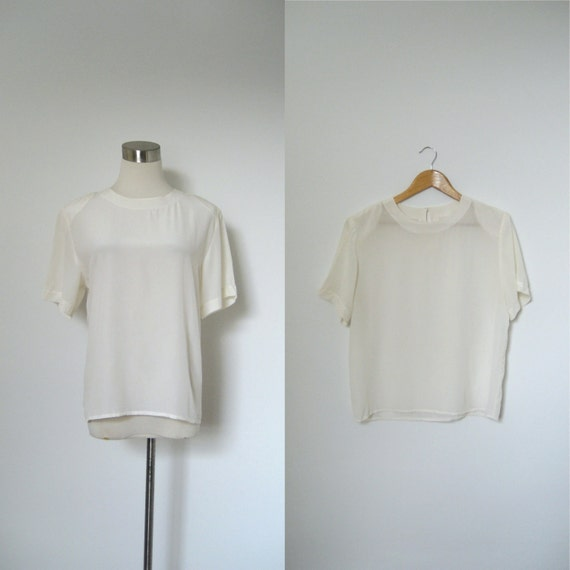 Silk Blouse / 1980s White Silk Tee / Short Sleeve (medium M)
