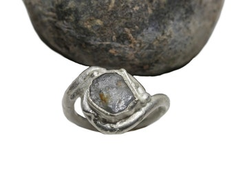 Rough Sapphire Slice Rustic Silver Ring Metallic Gray - Molten Crater