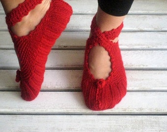Red Slippers, Wool Slippers, Christmas Gifts, Womens Slippers, Slippers, Crochet Slippers
