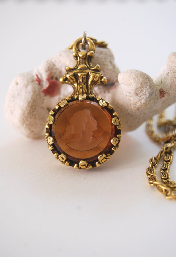 Vintage Intaglio Reverse Carved Brown Glass Pendant Necklace