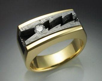 18k gold mans ring with Diamond and Meteorite