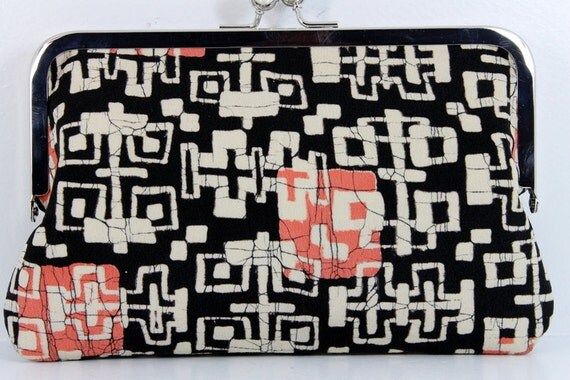 Listing for Mary- 1930's Black and Pink Japanese Vintage Kimono 8 Inch Chained Kisslock Clutch