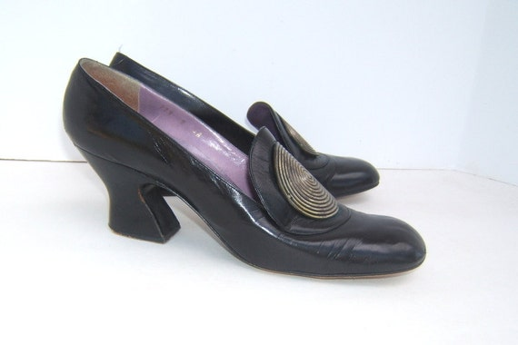 Vintage Jerry Edouard black leather Shoes with Medallion Marked 9 4A