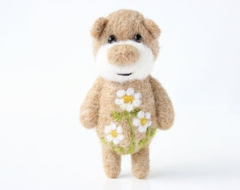 Light brown pocket bear with camomiles 38