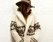 XL Cozy Chic Hand-Knit Mexican Wool Sweater in Cream (Men's or Women's XL Wave Design))