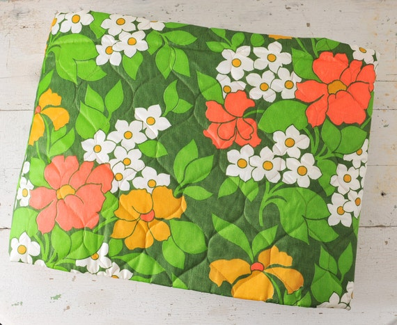 1960's MOD Bright Floral Bedspread - Double Bed Quilt - Deadstock