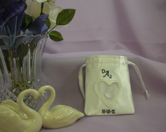 Wedding - Embroidered Wedding Ring Pouch - Free Shipping to USA