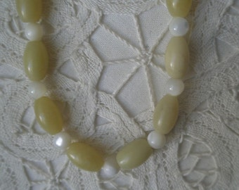 Vintage Yellow Jasper & Moonstone Necklace and Earring Set