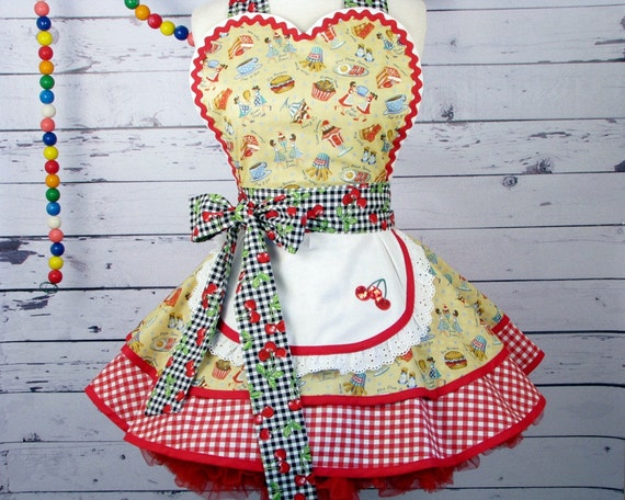 Diner Waitress Apron made with Vintage Fabric by Dots Diner -- in stock -- ONLY ONE