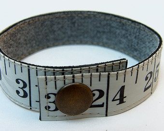 Measuring tape bracelet - White w/ black print (upcycled vinyl)