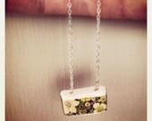 Stoneware ceramic flower patterned necklace
