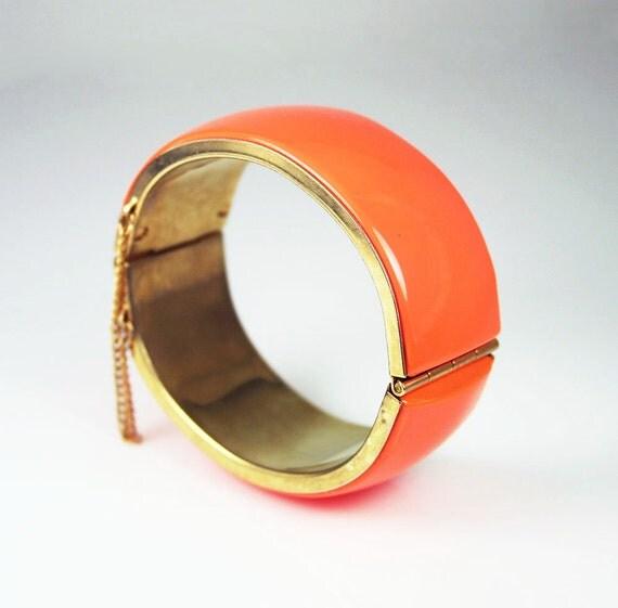 Vintage Bracelet Orange Lucite Goldtone Clamper Bangle Jewelry